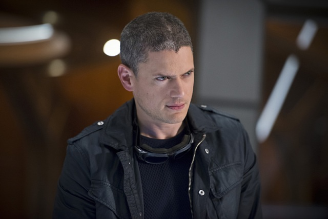 """DC's Legends of Tomorrow -- """"White Knights"""" -- Image LGN104A_0206b.jpg -- Pictured: Wentworth Miller as Leonard Snart/Captain Cold -- Photo: Diyah Pera/The CW -- © 2016 The CW Network, LLC. All Rights Reserved."""