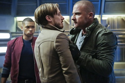 """DC's Legends of Tomorrow -- """"Marooned"""" -- Image LGN107B_0176b.jpg -- Pictured (L-R): Franz Drameh as Jefferson """"Jax"""" Jackson, Arthur Darvill as Rip Hunter, and Dominic Purcell as Mick Rory / Heat Wave -- Photo: Bettina Strauss/The CW -- © 2016 The CW Network, LLC. All Rights Reserved."""