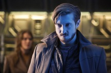"""DC's Legends of Tomorrow -- """"Marooned"""" -- Image LGN107B_0017b.jpg -- Pictured: Arthur Darvill as Rip Hunter -- Photo: Bettina Strauss/The CW -- © 2016 The CW Network, LLC. All Rights Reserved."""
