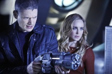 """DC's Legends of Tomorrow -- """"Marooned"""" -- Image LGN107A_0016b.jpg -- Pictured (L-R): Wentworth Miller as Leonard Snart/Captain Cold and Caity Lotz as Sara Lance/White Canary -- Photo: Bettina Strauss/The CW -- © 2016 The CW Network, LLC. All Rights Reserved."""