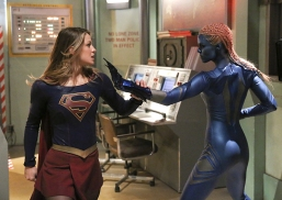 """""""Solitude"""" -- Kara (Melissa Benoist, left) travels to Superman's Fortress of Solitude in hopes of learning how to defeat Indigo (Laura Vandervoort, right), a dangerous being who can transport via the Internet and who has a connection to Kara's past, on SUPERGIRL, Monday, Feb. 29 (8:00-9:00 PM, ET/PT) on the CBS Television Network. Photo: Michael Yarish/CBS ©2016 CBS Broadcasting, Inc. All Rights Reserved"""