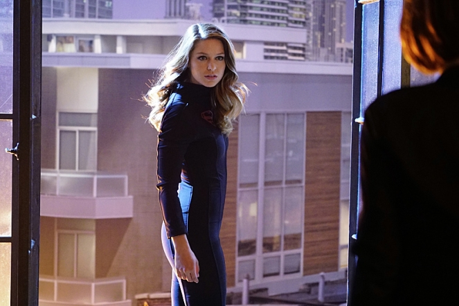 """Falling"" -- Kara (Melissa Benoist, pictured) turns on her friends and the citizens of National City after being exposed to Red Kryptonite makes her malicious and dangerous, on SUPERGIRL, Monday, March 14 (8:00-9:00 PM, ET/PT) on the CBS Television Network.   Photo: Sonja Flemming/CBS ©2016 CBS Broadcasting, Inc. All Rights Reserved"