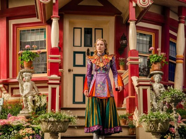 Alice Through the Looking Glass_Still