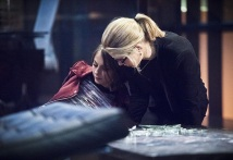 "Arrow -- ""Beacon of Hope"" -- Image AR417b_0303b.jpg -- Pictured (L-R): Willa Holland as Thea Queen and Emily Bett Rickards as Felicity Smoak -- Photo: Dean Buscher/The CW -- © 2016 The CW Network, LLC. All Rights Reserved."