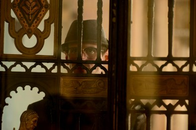 Gotham_S02E15_Mad Grey Dawn_Still (1)
