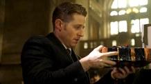 Gotham_S02E15_Mad Grey Dawn_Still (5)