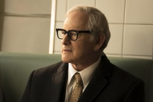 "DC's Legends of Tomorrow -- ""Night of the Hawk"" -- Image LGN108b_0046.jpg -- Pictured: Victor Garber as Professor Martin Stein -- Photo: Katie Yu/The CW -- © 2016 The CW Network, LLC. All Rights Reserved"