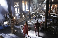 """Worlds Finest"" -- Kara (Melissa Benoist, left) gains a new ally when the lightning-fast superhero The Flash (Grant Gustin, right) suddenly appears from an alternate universe and helps Kara battle Siobhan, aka Silver Banshee, and Livewire (Brit Morgan, center) in exchange for her help in finding a way to return him home, on SUPERGIRL, Monday, March 28 (8:00-9:00 PM, ET/PT) on the CBS Television Network. Photo: Robert Voets/Warner Bros. Entertainment Inc. © 2016 WBEI. All rights reserved."