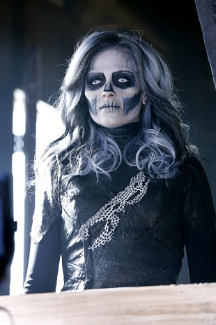 """Worlds Finest"" -- Kara gains a new ally when the lightning-fast superhero The Flash suddenly appears from an alternate universe and helps Kara battle Siobhan, aka Silver Banshee (Italia Ricci, pictured), and Livewire in exchange for her help in finding a way to return him home, on SUPERGIRL, Monday, March 28 (8:00-9:00 PM, ET/PT) on the CBS Television Network. Photo: Robert Voets/Warner Bros. Entertainment Inc. © 2016 WBEI. All rights reserved."