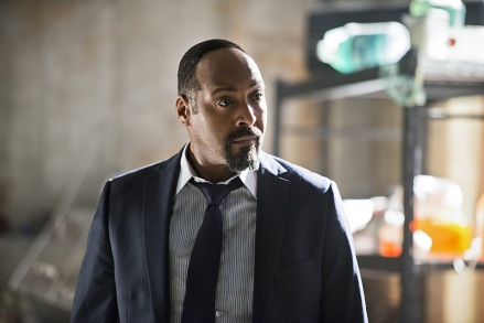 "The Flash -- ""Flash Back"" -- Image: FLA217a_0050b.jpg -- Pictured: Jesse L. Martin as Detective Joe West-- Photo: Diyah Pera/The CW -- © 2016 The CW Network, LLC. All rights reserved"
