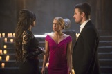 "Arrow -- ""Genesis"" -- Image AR420b_0083b.jpg -- Pictured (L-R): Gabriella Wright as Esrin Fortuna, Emily Bett Rickards as Felicity Smoak and Stephen Amell as Oliver Queen -- Photo: Diyah Pera/The CW -- © 2016 The CW Network, LLC. All Rights Reserved."