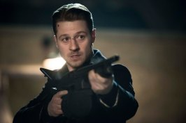 Gotham_S02E19_Azrael_Still (2)