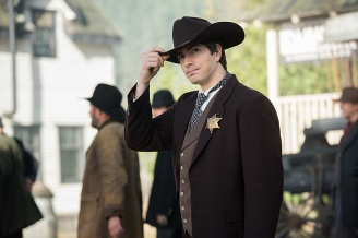 """DC's Legends of Tomorrow -- """"The Magnificent Eight""""-- LGN111b_0048.jpg -- Pictured: Brandon Routh as Ray Palmer/Atom -- Photo: Dean Buscher/The CW -- © 2016 The CW Network, LLC. All Rights Reserved"""