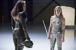 "DC's Legends of Tomorrow -- ""Last Refuge""-- Image LGN112b_0339b.jpg -- Pictured: Ciara Renee as Kendra Saunders/Hawkgirl and Caity Lotz as Sara Lance/White Canary -- Photo: Dean Buscher/The CW -- © 2016 The CW Network, LLC. All Rights Reserved."