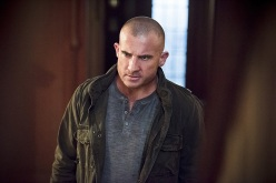 "DC's Legends of Tomorrow -- ""Last Refuge""-- Image LGN112a_0383b.jpg -- Pictured: Dominic Purcell as Mick Rory/Heat Wave -- Photo: Dean Buscher/The CW -- © 2016 The CW Network, LLC. All Rights Reserved."