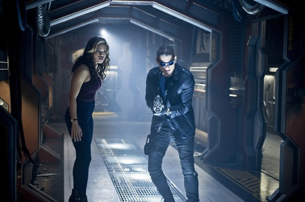 """DC's Legends of Tomorrow --""""River of Time""""-- Image LGN114b_0054b.jpg -- Pictured (L-R): Ciara Renee as Kendra Saunders/Hawkgirl and Wentworth Miller as Leonard Snart/Captain Cold -- Photo: Diyah Pera/The CW -- © 2016 The CW Network, LLC. All Rights Reserved."""