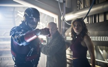 """DC's Legends of Tomorrow --""""River of Time""""-- Image LGN114b_0151b.jpg -- Pictured (L-R): Brandon Routh as Ray Palmer/Atom, Dominic Purcell as Mick Rory/Heat Wave and Ciara Renee as Kendra Saunders/Hawkgirl -- Photo: Diyah Pera/The CW -- © 2016 The CW Network, LLC. All Rights Reserved."""