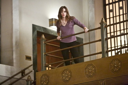 "The Flash -- ""Rupture"" -- Image: FLA220a_0006b.jpg -- Pictured: Danielle Panabaker as Caitlin Snow -- Photo: Bettina Strauss/The CW -- © 2016 The CW Network, LLC. All rights reserved"