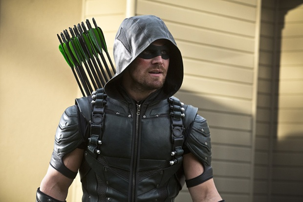 "Arrow -- ""Lost in the Flood"" -- Image AR422b_0203b.jpg -- Pictured: Stephen Amell as Green Arrow -- Photo: Katie Yu/The CW -- © 2016 The CW Network, LLC. All Rights Reserved."