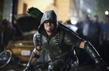 "Arrow -- ""Schism "" -- Image AR423b_0163b.jpg -- Pictured: Stephen Amell as Green Arrow -- Photo: Bettina Strauss/The CW -- © 2016 The CW Network, LLC. All Rights Reserved."