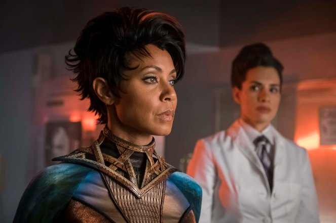 "GOTHAM: Guest star Jada Pinkett Smith in the ""Wrath of the Villains: A Legion of Horribles"" episode of GOTHAM airing Monday, May 16 (8:00-9:00 PM ET/PT) on FOX. ©2016 Fox Broadcasting Co. Cr: Jeff Neumann/FOX"
