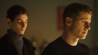 "GOTHAM: L-R: David Mazouz and Ben McKenzie in the ""Wrath of the Villains: Transference"" season finale episode of GOTHAM airing Monday, May 23 (8:00-9:00 PM ET/PT) on FOX. ©2016 Fox Broadcasting Co. Cr: Jeff Neumann/FOX"