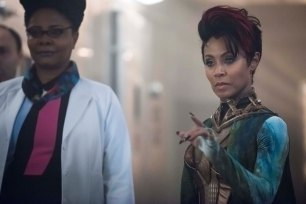 """GOTHAM: L-R: Guest stars Tonya Pinkins and Jada Pinkett Smith in the """"Wrath of the Villains: Transference"""" season finale episode of GOTHAM airing Monday, May 23 (8:00-9:00 PM ET/PT) on FOX. ©2016 Fox Broadcasting Co. Cr: Jeff Neumann/FOX"""