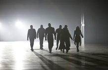 """DC's Legends of Tomorrow --""""Destiny""""-- Image LGN115b_0182b.jpg -- Pictured (L-R): Wentworth Miller as Leonard Snart/Captain Cold, Dominic Purcell as Mick Rory/Heat Wave, Brandon Routh as Ray Palmer/Atom, Franz Drameh as Jefferson """"Jax"""" Jackson, Arthur Darvill as Rip Hunter and Ciara Renee as Kendra Saunders/Hawkgirl -- Photo: Bettina Strauss/The CW -- © 2016 The CW Network, LLC. All Rights Reserved."""