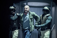 """DC's Legends of Tomorrow -- """"Destiny""""-- Image LGN115a_0112b.jpg -- Pictured: Dominic Purcell as Mick Rory/Heat Wave -- Photo: Cate Cameron/The CW -- © 2016 The CW Network, LLC. All Rights Reserved."""