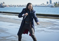 "DC's Legends of Tomorrow --""Legendary""-- Image LGN116b_0384b.jpg Pictured: Casper Crump as Vandal Savage -- Photo: Dean Buscher/The CW -- © 2016 The CW Network, LLC. All Rights Reserved."