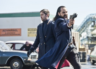 "DC's Legends of Tomorrow --""Legendary""-- Image LGN116b_0103b.jpg -- Pictured: Casper Crump as Vandal Savage -- Photo: Dean Buscher/The CW -- © 2016 The CW Network, LLC. All Rights Reserved."