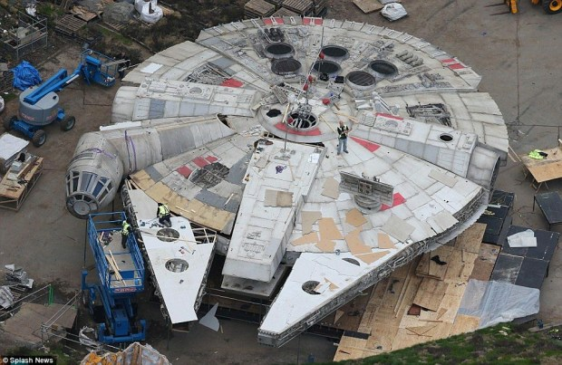 Star Wars_Episode VIII_Set Photo (2)