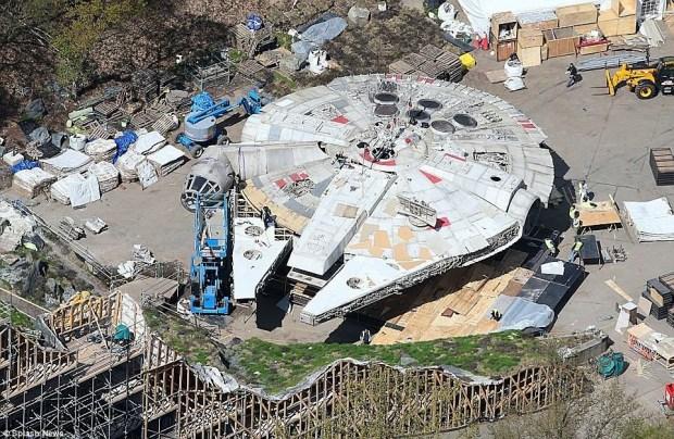 Star Wars_Episode VIII_Set Photo (6)