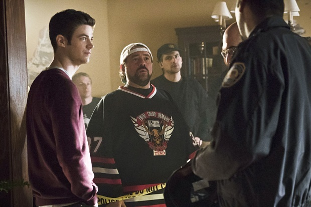 """The Flash -- """" The Runaway Dinosaur"""" -- Image: FLA221a_bts_0300b.jpg -- Pictured (L-R): Behind the scenes with Grant Gustin as Barry Allen and Kevin Smith -- Photo: Katie Yu/The CW -- © 2016 The CW Network, LLC. All rights reserved."""