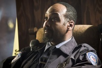 """The Flash -- """" The Runaway Dinosaur"""" -- Image: FLA221a_0070b.jpg -- Pictured: Jesse L. Martin as Detective Joe West -- Photo: Katie Yu/The CW -- © 2016 The CW Network, LLC. All rights reserved."""