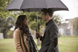 """The Flash -- """" The Runaway Dinosaur"""" -- Image: FLA221b_0142b.jpg -- Pictured (L-R): Candice Patton as Iris West and Grant Gustin as Barry Allen -- Photo: Katie Yu/The CW -- © 2016 The CW Network, LLC. All rights reserved."""