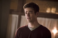 """The Flash -- """" The Runaway Dinosaur"""" -- Image: FLA221a_0180b.jpg -- Pictured: Grant Gustin as Barry Allen -- Photo: Katie Yu/The CW -- © 2016 The CW Network, LLC. All rights reserved."""