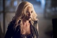 The Flash_S02E22_Invincible_Still (1)
