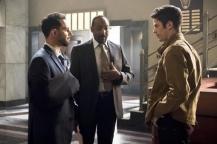 The Flash_S02E22_Invincible_Still (10)