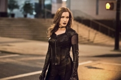 The Flash_S02E22_Invincible_Still (4)
