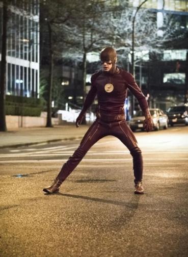 The Flash_S02E22_Invincible_Still (6)
