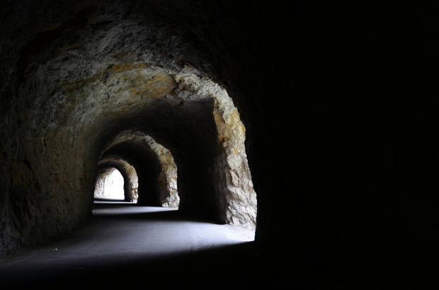 tunnel-445391_960_720