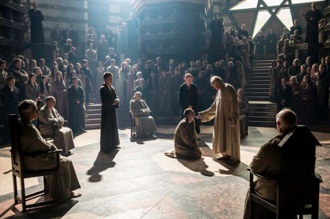 Finn Jones as Loras Tyrell and Jonathan Pryce as The High Sparrow. Credit: Helen Sloan/HBO.