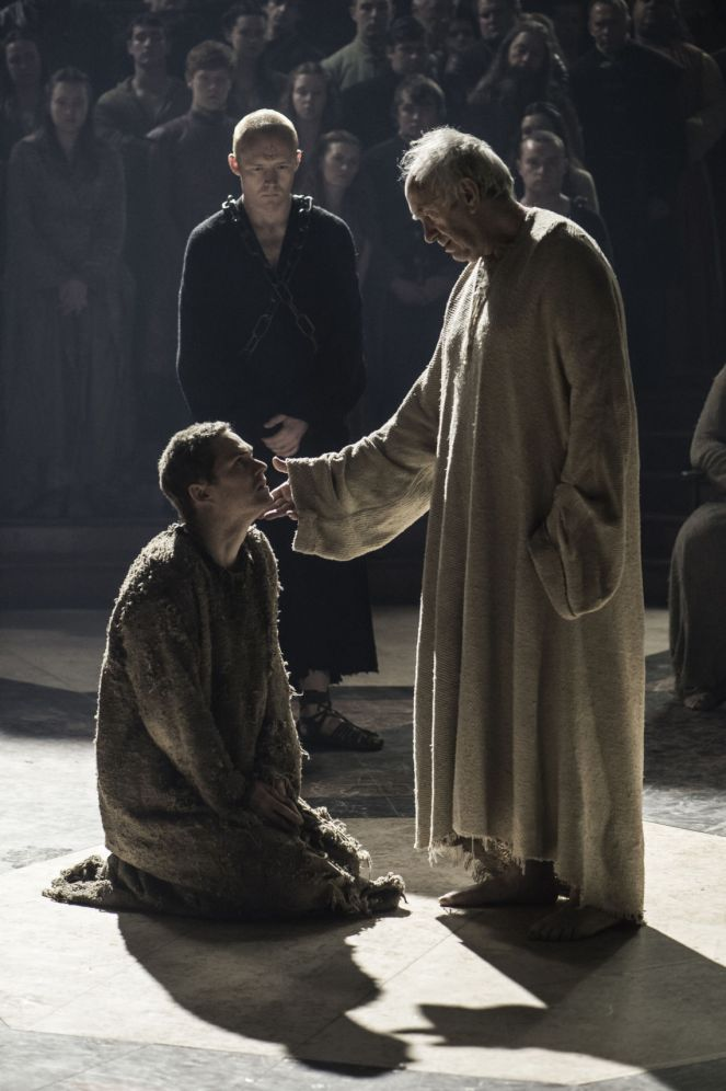 Finn Jones as Loras Tyrell and Jonathan Pryce as The High Sparrow. Credit: Helen Sloan/HBO.