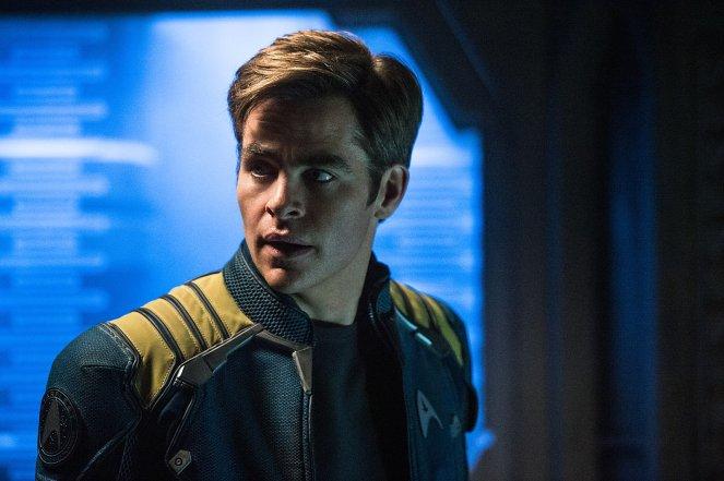 Star Trek Beyond_High-Res Still (6)