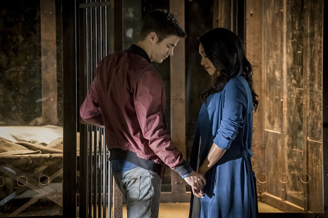 "The Flash -- ""Flashpoint"" -- Image: FLA301b_0132b.jpg -- Pictured (L-R): Grant Gustin as Barry Allen and Candice Patton as Iris West -- Photo: Katie Yu/The CW -- © 2016 The CW Network, LLC. All rights reserved."