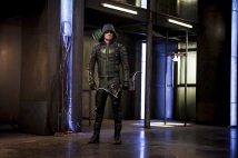 """Arrow -- """"The Recruits"""" -- Image AR502a_0072b.jpg -- Pictured: Stephen Amell as Green Arrow -- Photo: Bettina Strauss/The CW -- © 2016 The CW Network, LLC. All Rights Reserved."""