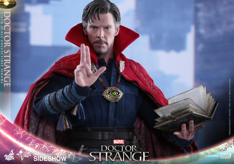 doctor-strange-sixth-scale-figure-by-hot-toys-2