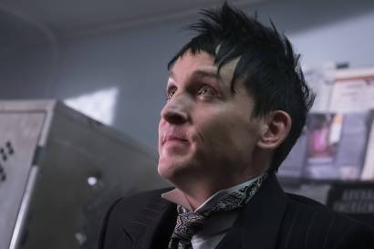 GOTHAM: Robin Lord Taylor in theÒMad City: Look Into My EyesÓ episode of GOTHAM airing Monday, Oct. 3 (8:00-9:01 PM ET/PT) on FOX. ©2016 Fox Broadcasting Co. Cr: Jeff Neumann/FOX.