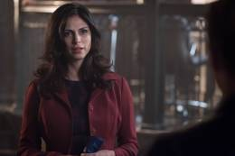 GOTHAM: Morena Baccarin in theÒMad City: Look Into My EyesÓ episode of GOTHAM airing Monday, Oct. 3 (8:00-9:01 PM ET/PT) on FOX. ©2016 Fox Broadcasting Co. Cr: Jeff Neumann/FOX.